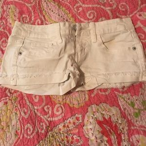 White jean Mossimo shorts